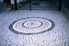 Motiveinlage in Granitpflasterfläche